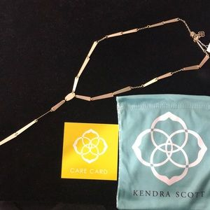 NWT. Kendra Scott Gail necklace. Gold.